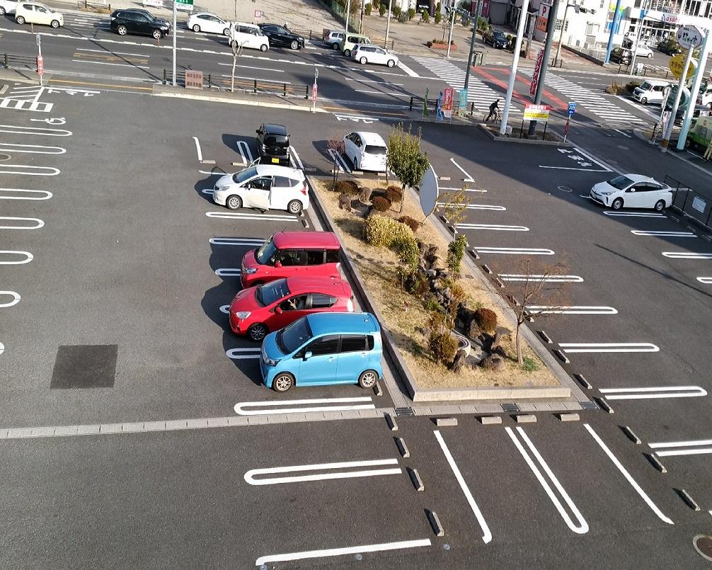 駐車場(85台)
